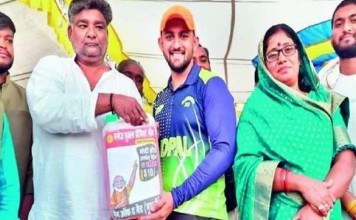 """Gift of """"five liters of petrol"""" on the man of the match"""